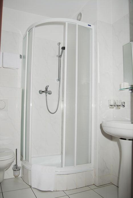 Prysznic W Hotelu Hotel Trzy światy Gliwice